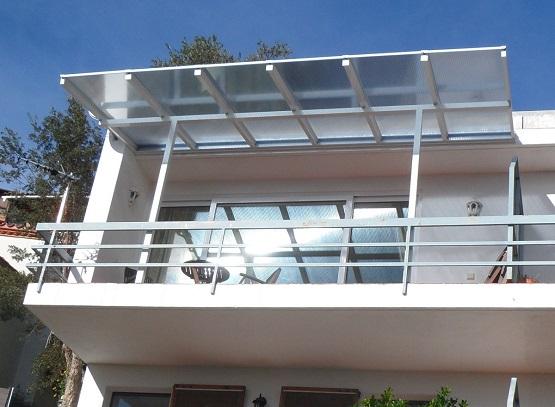 balkon berdachung alu pultdach mit berstand mit. Black Bedroom Furniture Sets. Home Design Ideas
